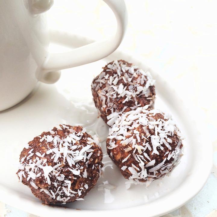 Chocolate-Coffee-Mug-Coffee-Break-Chocolate-Balls-824638.jpg